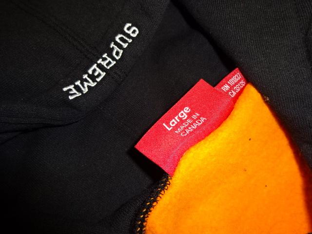 激レアこれからの季節に大活躍! 極美品 SPREME シュプリーム代官山購入品 クレイジーカラーフーディー WTAPS サイズL _画像3