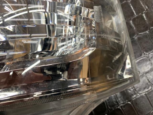 200系 ハイエース レジアスエース 純正 LED ヘッドライト _画像4