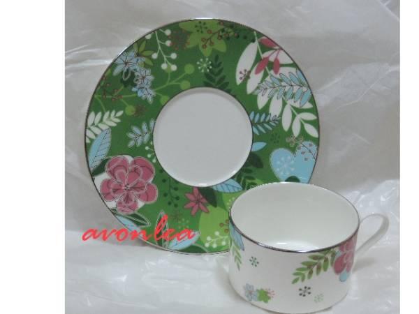 ナルミ ボーンチャイナ フローラルパラダイス ティー&コーヒー兼用 カップ&ソーサー グリーン(NARUMI/BONE CHINA/茶器/紅茶_もちろん実用にもどうぞ。