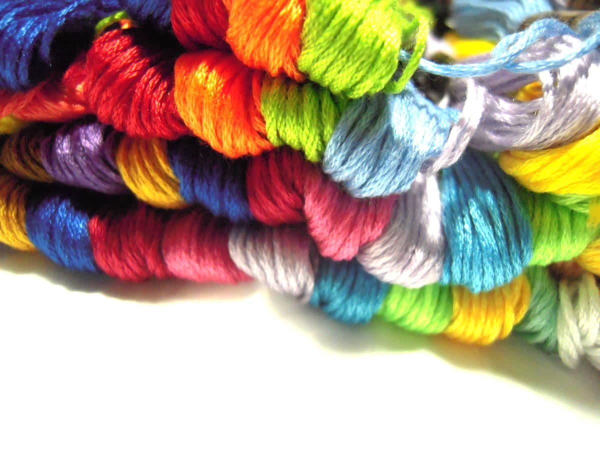 刺しゅう糸 100本 カラー が 色々 きれい! まとめ買いに!!_画像3
