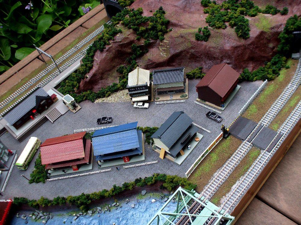 N-ゲージ 大型鉄道ジオラマ 複線 サイズ約1500x600x220mm 未走行_画像9