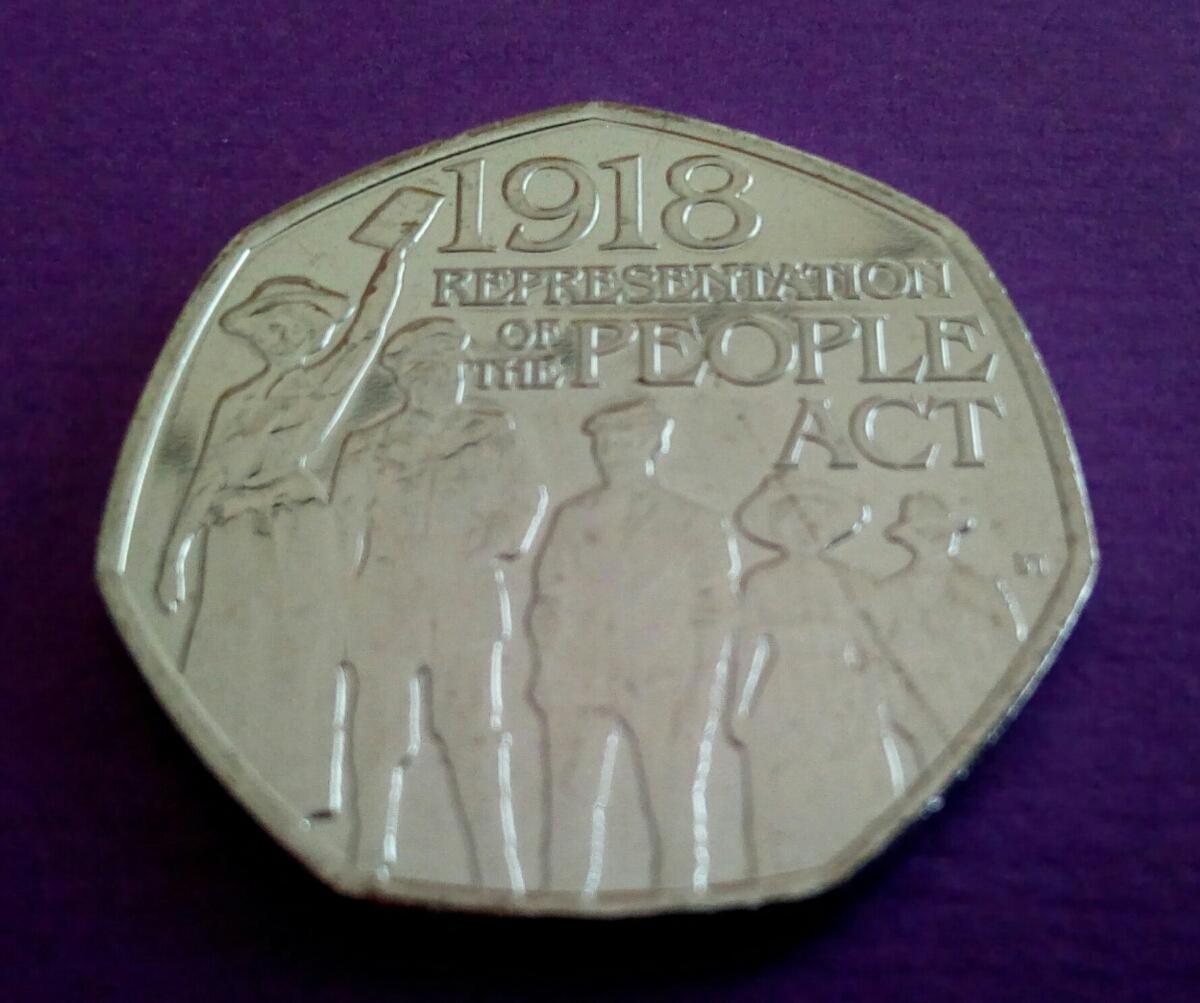 イギリス 英国 50ペンス コインRepresentation of the People Act 1918 デザイン8g 27mm2018年 エリザベス女王Thank you for looking!_画像3