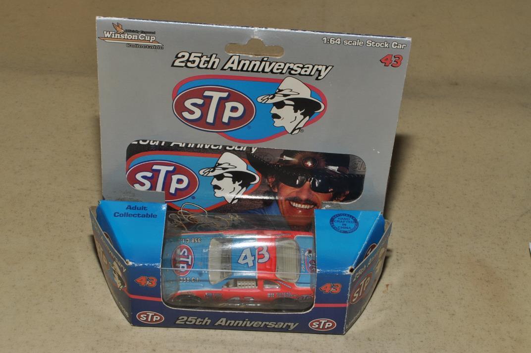 アクション NASCAR 25th アニバーサリー STP No.43 1996 S=1/64_画像4