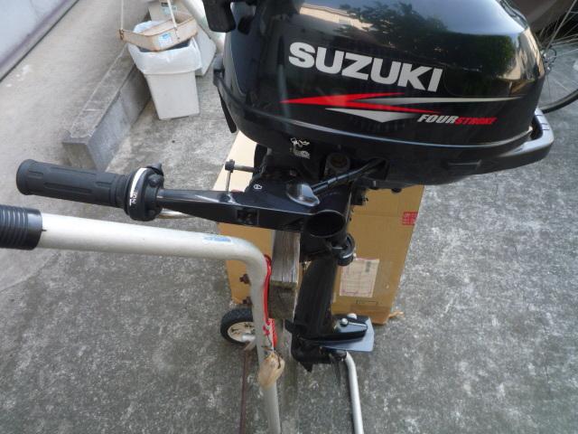 「SUZUKI DF2 4スト2馬力トランザムS(おまけ、5Lステン缶新品付き)茅ヶ崎市引き取り限定」の画像1