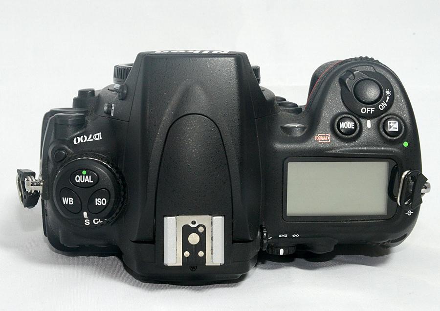 【ニコン Nikon D700ボディ】 ショット数少なめ4千台 中古美品 元箱付 FXデジタル一眼レフ_画像4