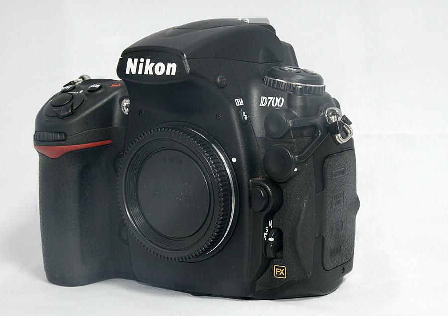 【ニコン Nikon D700ボディ】 ショット数少なめ4千台 中古美品 元箱付 FXデジタル一眼レフ_画像6