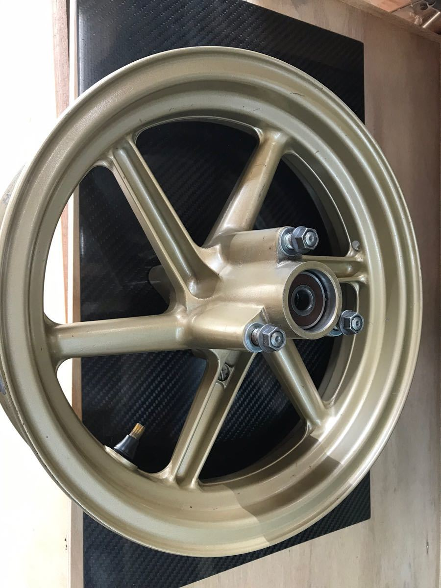 ホンダ HONDA NSR50NSR80 APE エイプ XRモタード用純正リアホイール 6本スポーク 中古 ゴールド_画像2