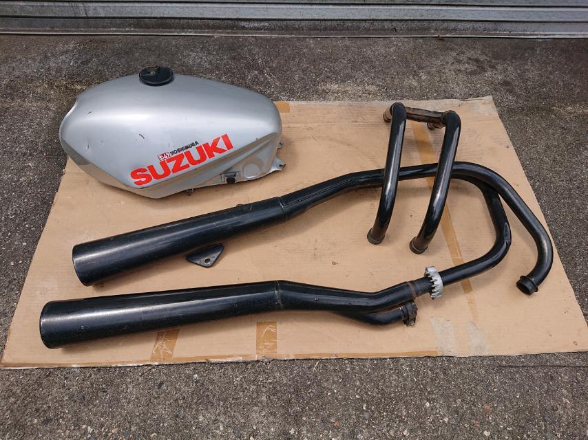 GSX750S katana カタナ 1型 部品取り車 アウトバーン・KARKAR 集合管のおまけつき_画像6
