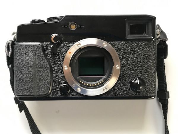 フジFUJIFILM X-PRO1【美品、箱、オリジナルセット】+ 標準35mm レンズ(レンズフード付) +予備バッテリー+接岸補助レンズ+1.0付 _画像2