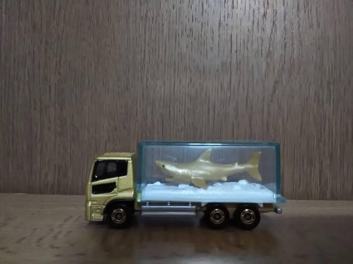 トミカ博 横浜 2019 クリア賞 UDトラックス クオン 金色サメ運搬トラック 2個セット 新品未開封_画像2