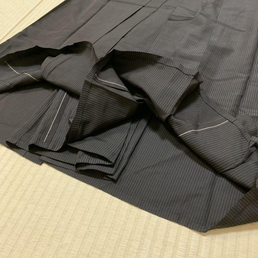 ●男物袴 正絹 馬乗り仕立て 紐下84 焦茶 縦縞 おすすめの品_画像6