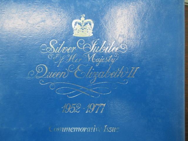 外国切手まとめて ダイアナ妃、大阪万博、エリザベスII世ご即位25周年記念 大コレクションアルバムなど #33833.4038.4094_画像9