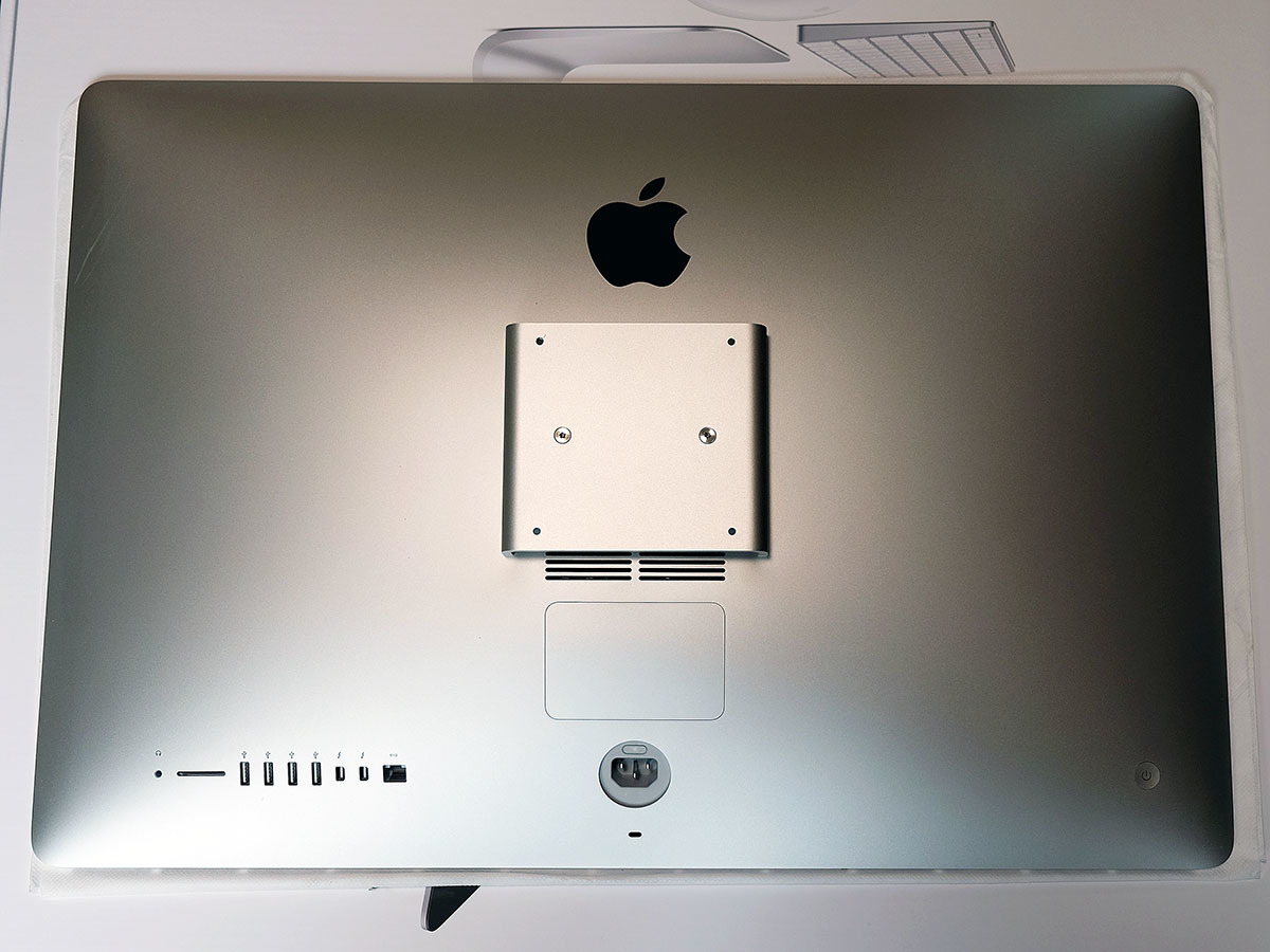 【中古】iMac 27インチ Retina 5k Late 2015 VESAマウントモデル 本体のみ_画像2