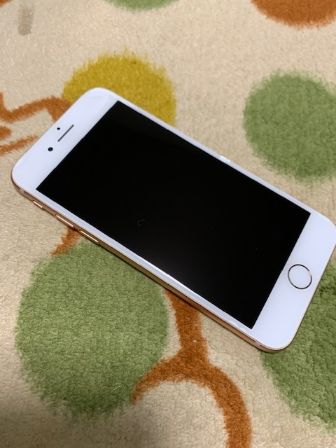 【美品、水没ジャンク】アップルApple iPhone 8 Gold 256GB ゴールド au SIMロックフリー MQ9Q2J/A(A1898)