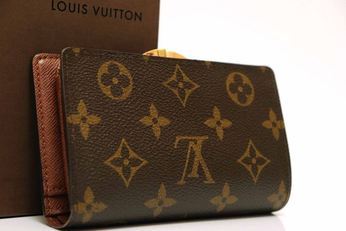 使用僅か【極美品】Louis Vuitton ルイヴィトン モノグラム ポルトモネ ビエ ヴィエノワ 二つ折り がま口 財布 M61663_画像2