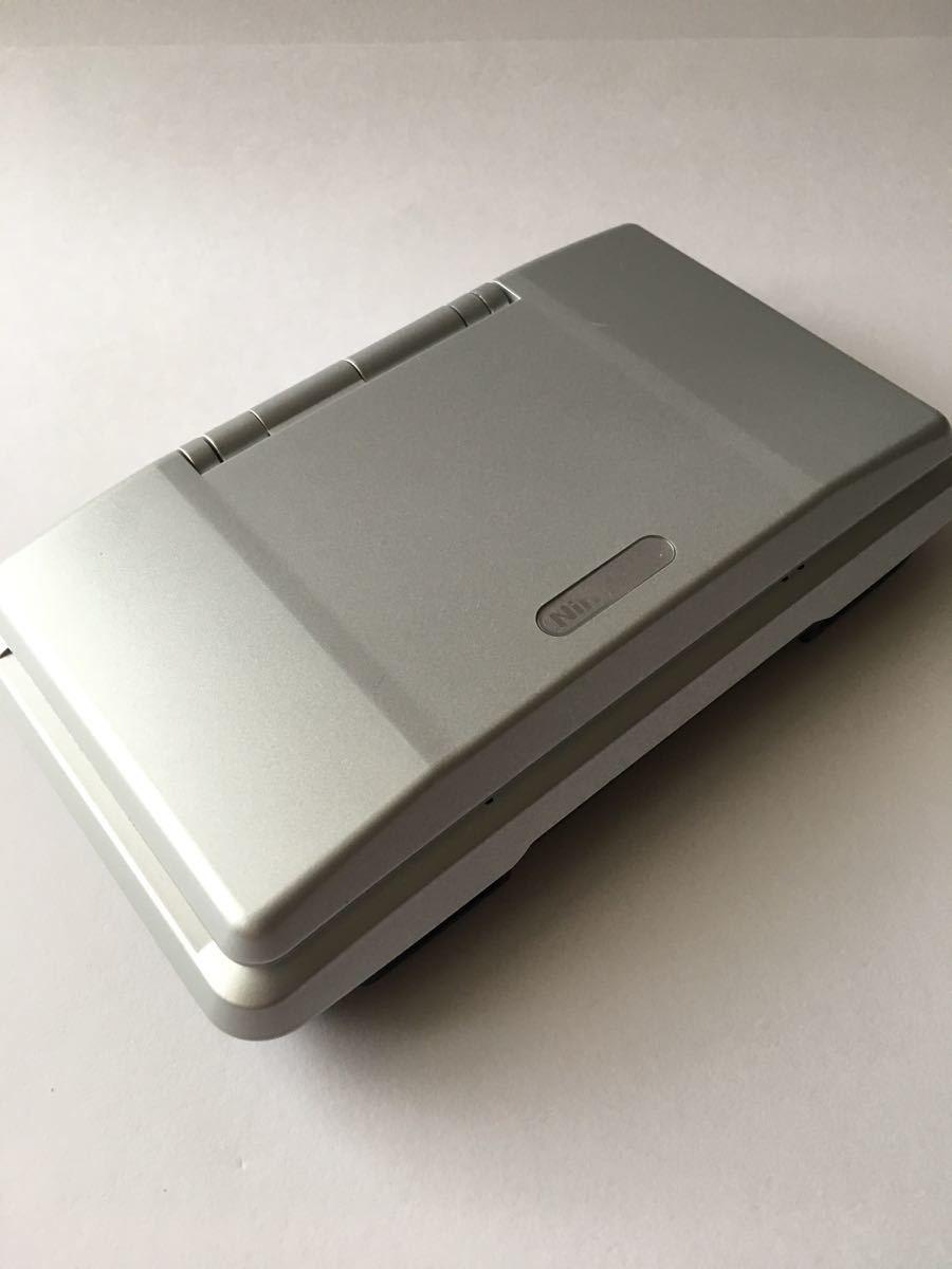 美品 希少ニンテンドーDS プラチナシルバー 完品 タッチペン、ストラップ付き メーカー生産終了 任天堂 NINTENDO NTR-001 JPN_画像3