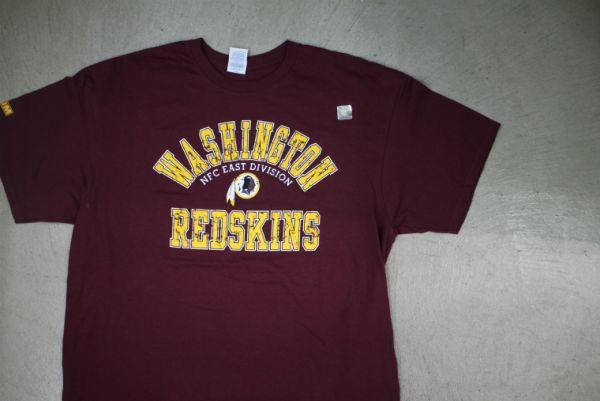 【古着 WASHINGTONREDSKINS NFL チームTシャツ赤XL】ワシントンレッドスキンズアメリカンフットボール夏物衣料大きめサイズHIPHOP 8416_画像1
