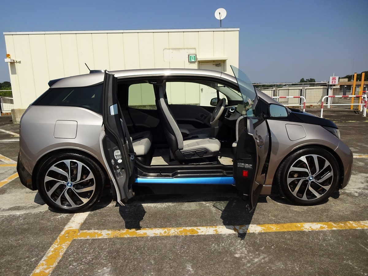 ◎27年 BMW i3 レンジエクステンダー 検 令和2年9月 走行74800キロ 美車 ACC インテリジェントセーフティ HDDナビ&バックカメラ 即乗OK! _画像5