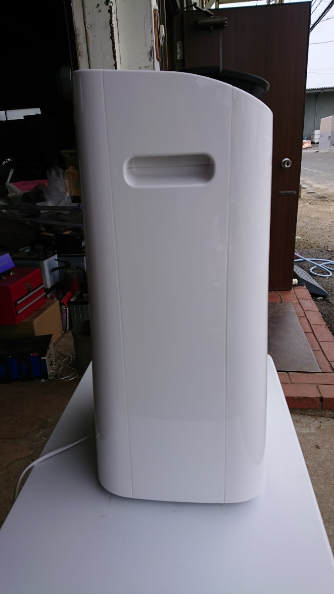 SHARP シャープ CV-F120-W プラズマクラスター 除湿機 2016年製 ホワイト _画像2