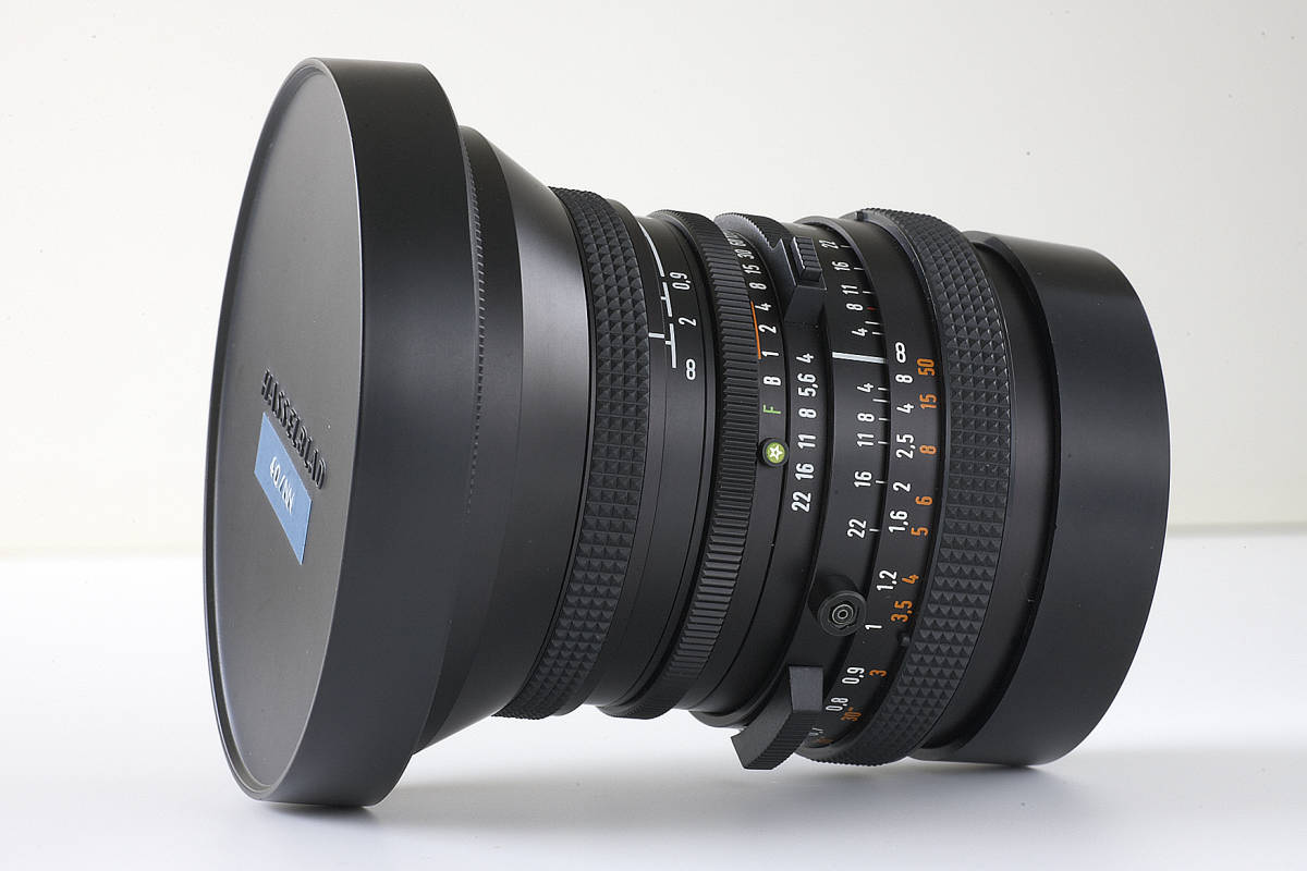 美品!.Carl Zeiss Distagon 40mm F4 T*_画像6