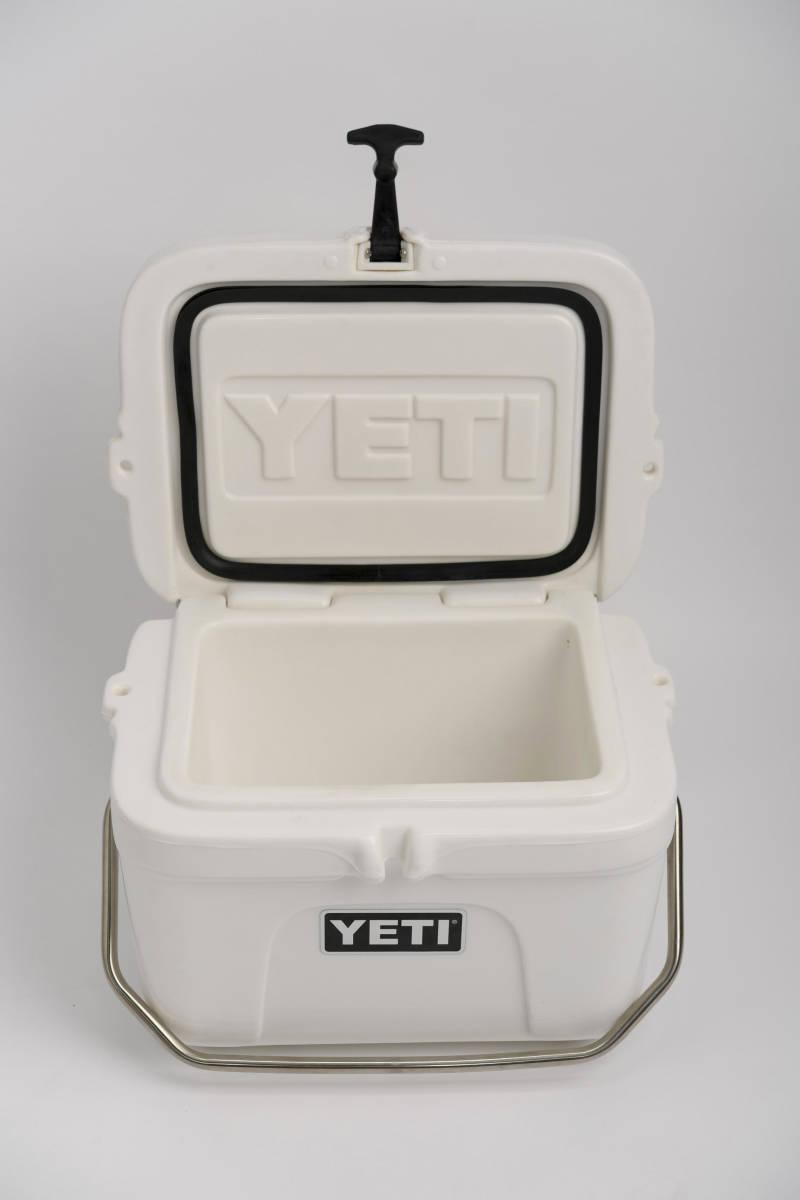 新品 未使用 YETI Roadie 15 イエティ ローディ ホワイト クーラーボックス デッドストック 廃盤品 希少 _画像2