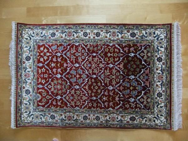 100%シルク トルコ絨毯(玄関用)未使用 約95cm×62cm GOLDEN YARN CARPET製 GUARANTEE付