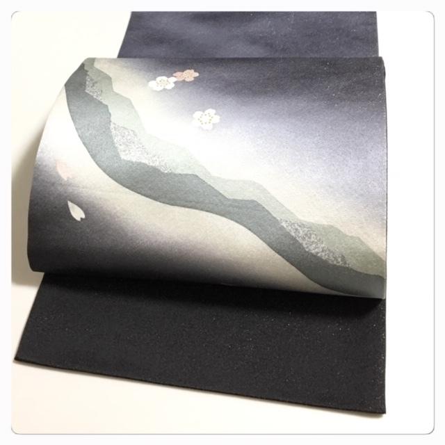 極上 美品 袋帯 高級呉服 お太鼓 花模様 銀糸織り 正絹 中古品_画像6