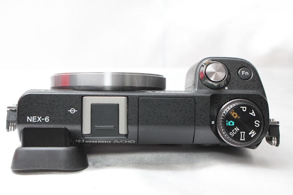 ★【極上美品】SONY NEX-6 ★超人気ミラーレスカメラ ★かばんにラクラク入るサイズ!★スグ使えます!!_画像4