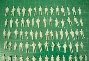★今回限り!プライザー ジオラマ 模型 人 ミニフィギュア 100体セット プラモデル 鑑賞 Nゲージ 1:150_画像2