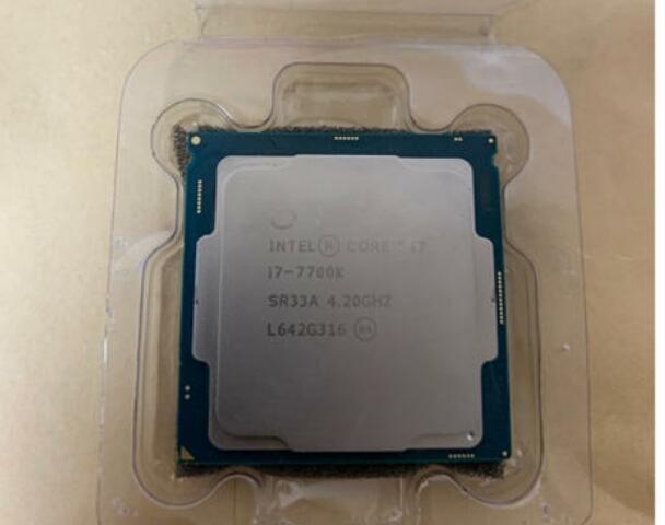 ☆送料無料☆ 1円スタート!限定1つだけ CPU Intel Core i7-7700k 4.2Ghz  LGA1151 kabylake 動作未確認