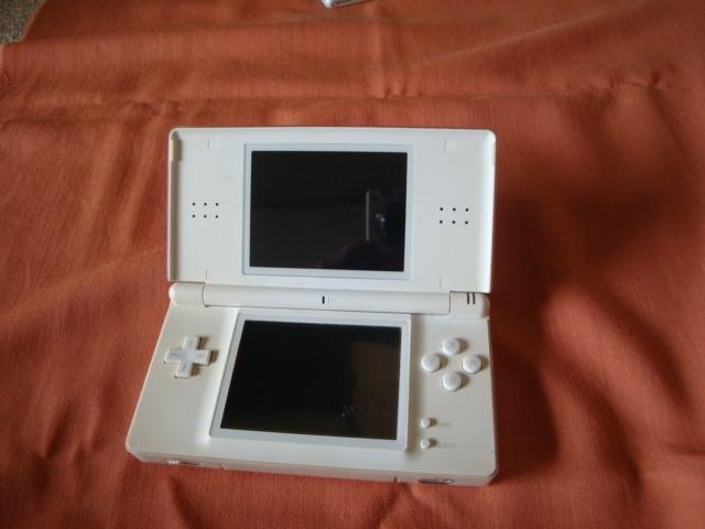 任天堂 Nintendo ニンテンドー DS Lite USG-001 本体 のみ クリスタルホワイト タッチペン無し_画像6