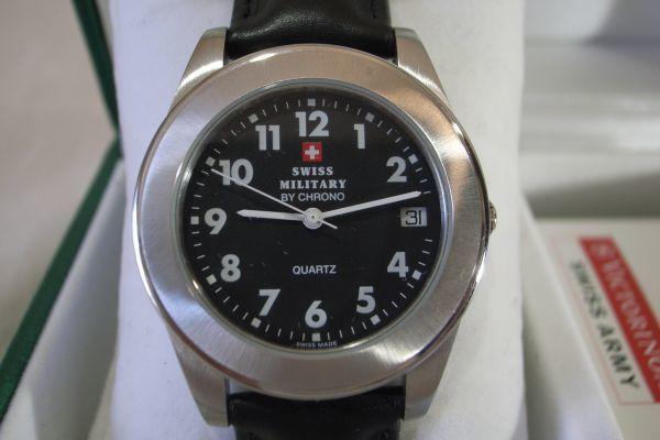 ● スイスミリタリー 7879 SWISS MILITARY by CHRONO スイス製 クオーツ 3針 カレンダー 腕時計 メンズウォッチ 箱 説明書 保証書_画像2