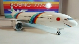 JAS JAL レインボー 777-200 1/200 インフライト系金属モデル EAGLE_画像3