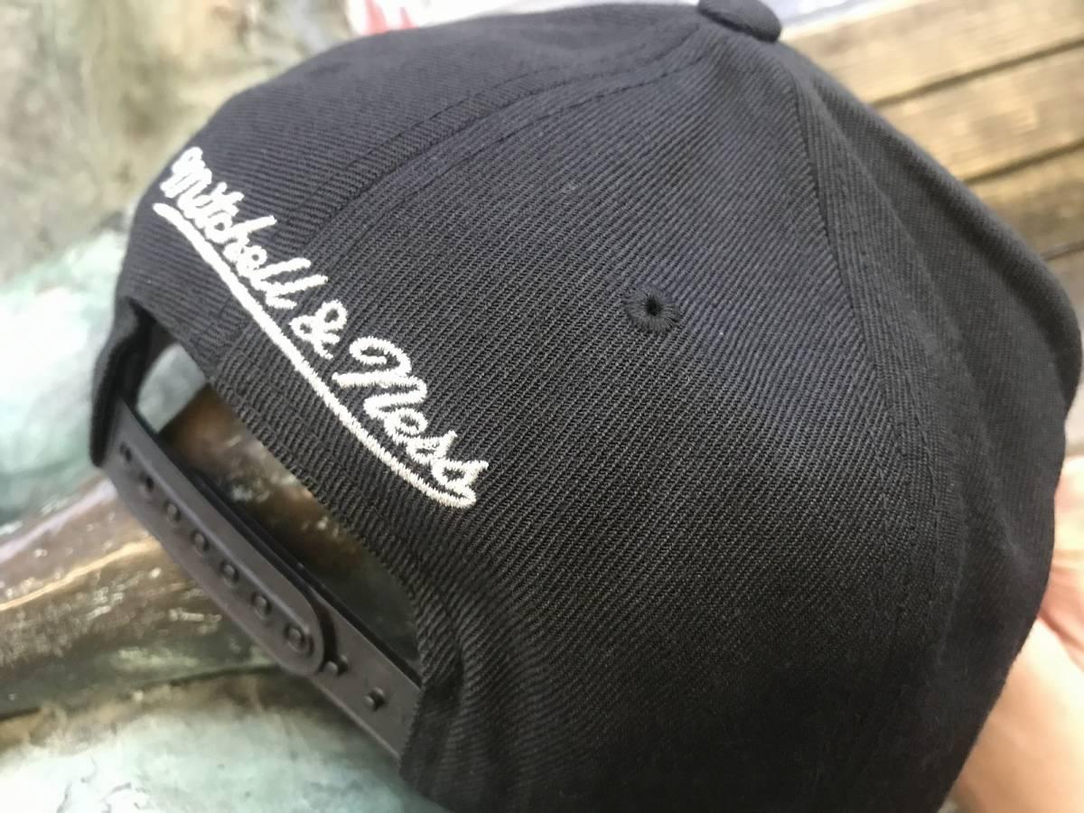 USA正規品 MITCHELL&NESS ミッチェル&ネス ワシントン Wizards ウィザーズ 黒 グレー スナップバックキャップ 帽子 NBA 公式 バスケ 八村塁_画像3