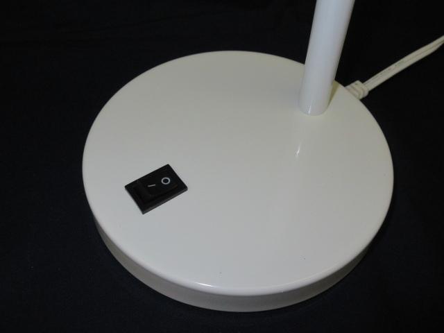 ★YC0557 デスクライト ホワイト E-17 MAX 40W 電気スタンド 卓上ライト 卓上照明 照明器具 ランプ 家具 インテリア 送料無料★_画像4