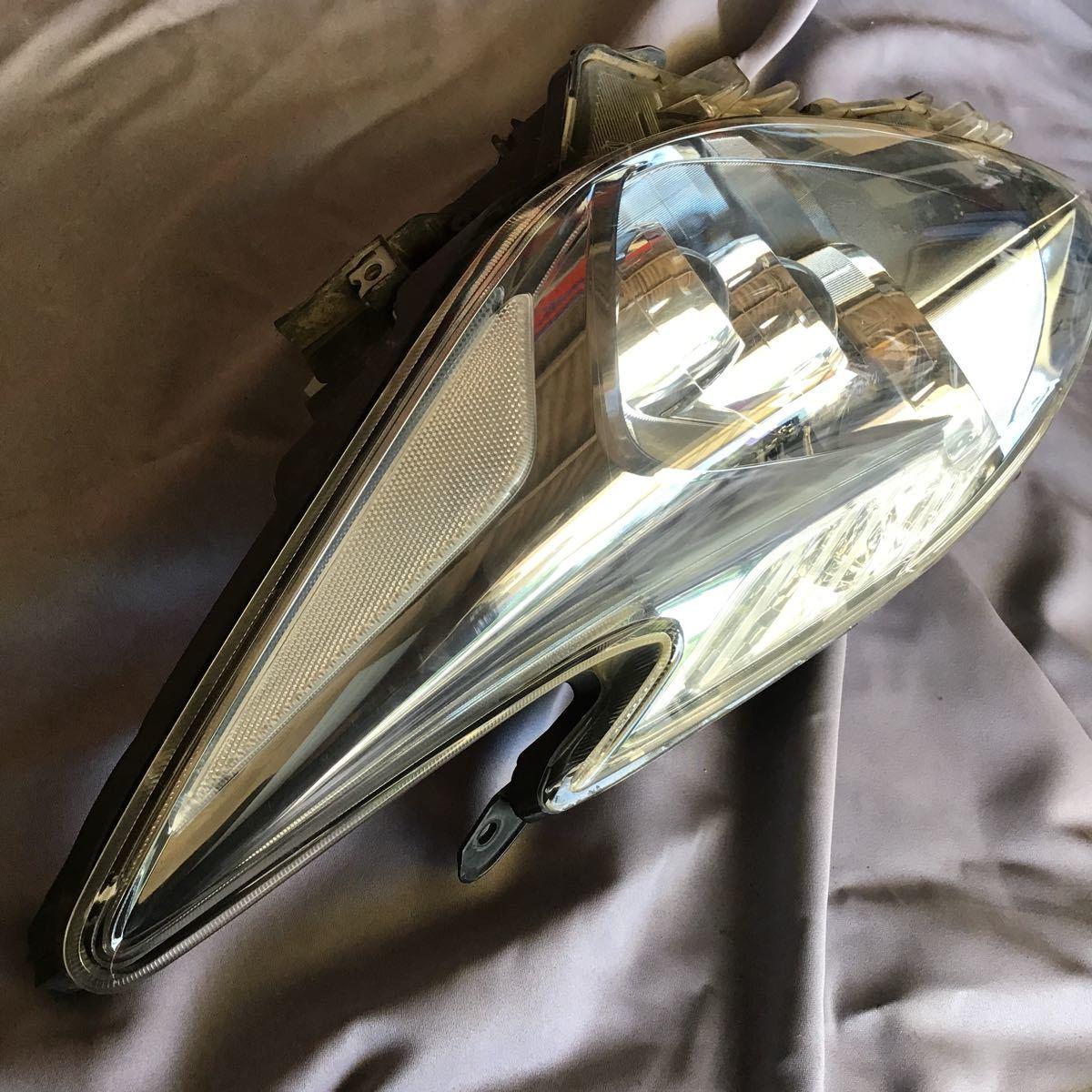 30プリウス LED左ヘッドライト 点灯確認済 85967-47010 35500-79290_画像3