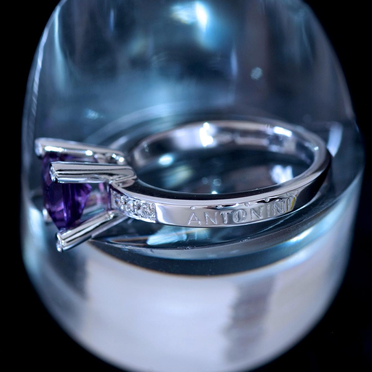 E8656【ANTONINI】アントニーニ アメジスト 天然絶品ダイヤモンド 最高級18金WG無垢リング S9.5号 重量4.95g 縦幅8.1mm【買取&下取可能】_画像3