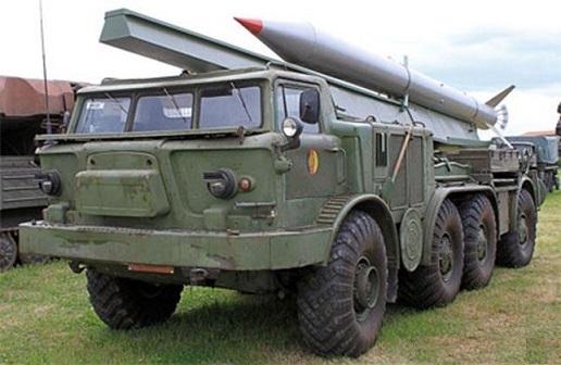 1/43 ジル ソビエト ソヴィエト 軍用 自走砲 ZIL 135 BAZ 135 TLF 9T29 FROG-7 Luna-M NVA Raketentransportfahrzeug Premium 梱包サイズ80_画像2