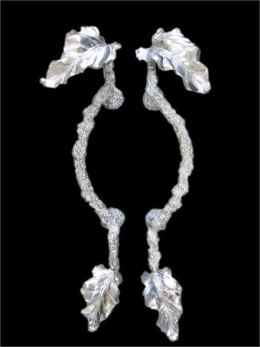 高級 鋳物 ドアハンドル 取っ手 ハンドメイド 一点もの 葉模様 重厚 美術品 アルミ 建築金具 プルハンドル 全長約63cm_画像1