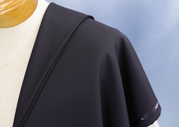 ■最高級カシミア100%のスーツ生地!名門「ミノバ社」の濃紺無地・羽衣のように気持ちいい。_画像1