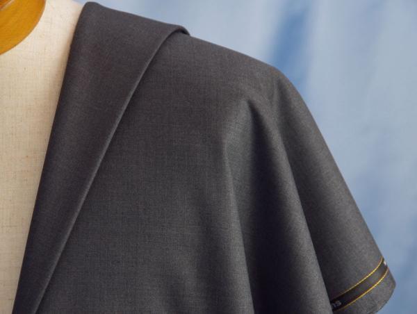 ■ローバック社・艶々の美しいミドルグレー・超高級super170_画像1