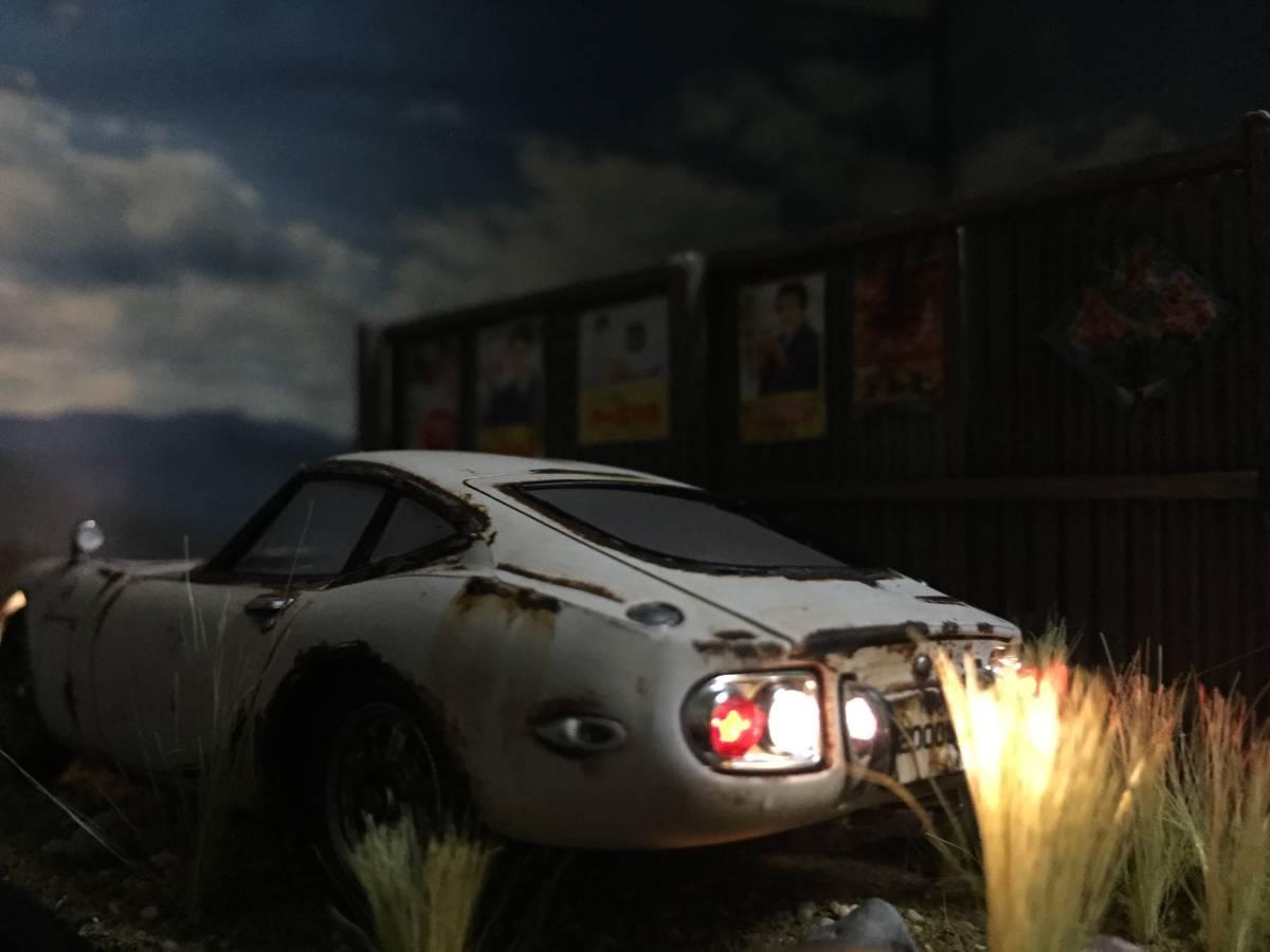 1/32 トヨタ 2000GT LEDライトアップ 昭和レトロな風景 旧車 自作ジオラマ完成品 ケース付_画像6