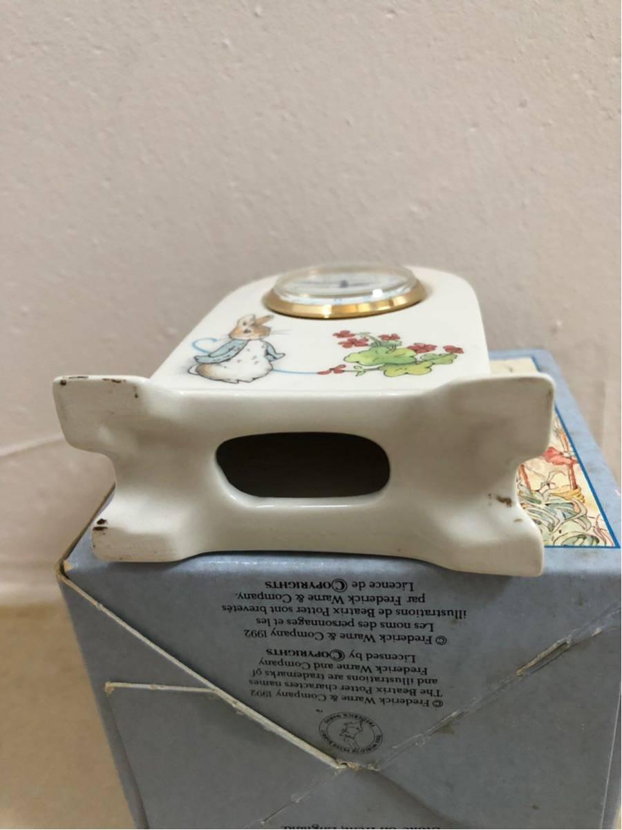 新品★ WEDGWOOD(ウェッジウッド)ピーターラビット 置時計 と非売品マグカップ2個_画像4