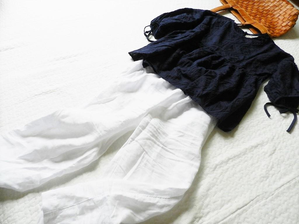 美品★柔らか刺繍コットンブラウン ゆったり半袖ブラウス 紺色 M_画像7