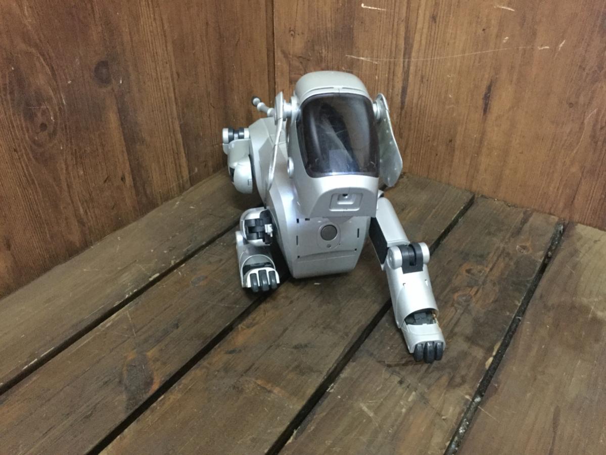 ☆ SONY ソニー ESR-111 AIBO アイボ ロボット バーチャルペット シルバー 初代 犬型 ジャンク ☆