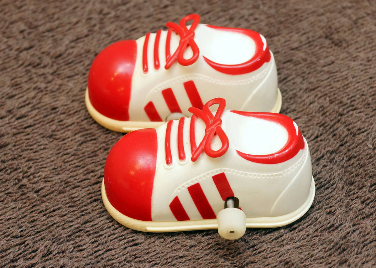 Showa Retro Tommy ....tokotoko sneakers immovable goods Junk