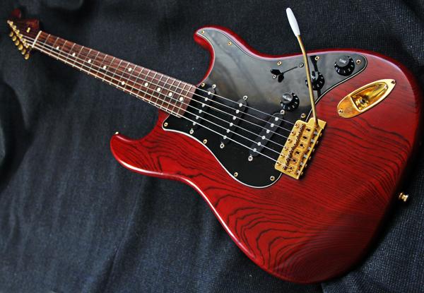 【Fender Japan】STG-65(MBR)Stratocaster(マットブラウン・マッチングヘッド/ゴールドパーツ)フジゲン 日本製 ジャンク
