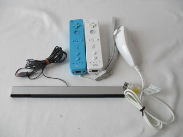 任天堂 Wii本体/付属品セット リモコン2個 ソフト6本セット 中古_画像4