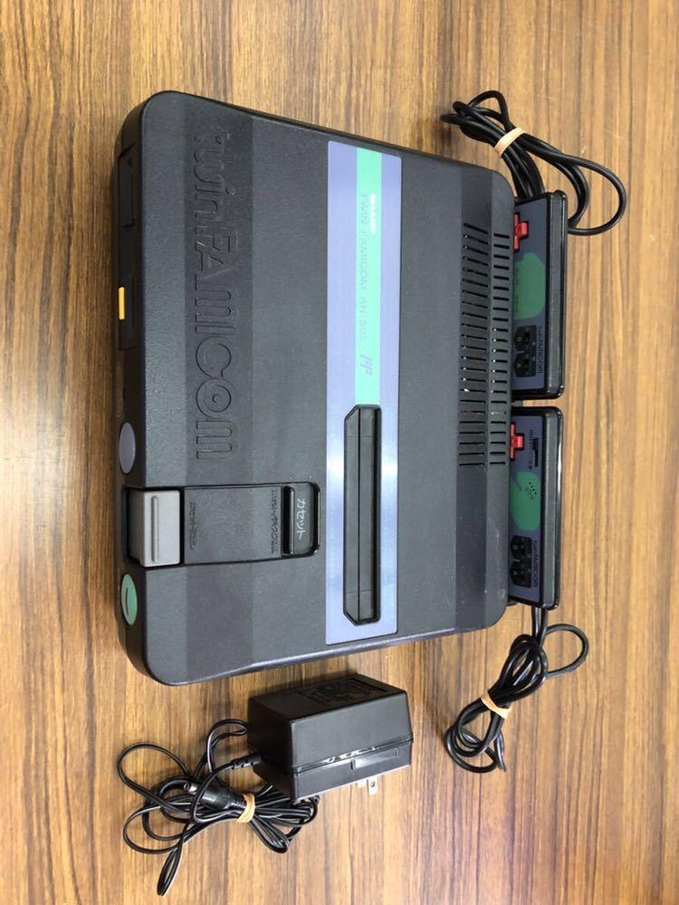 SHARP/シャープ ツインファミコン本体 AN-505+専用純正アダプターセット/任天堂 通電OK/中古未確認 通電OK/動作未確認 ジャンク扱い (80s)