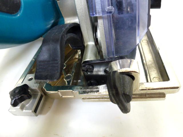 7726 良品 makita マキタ 125mm 防じん マルノコ KS5000FX 刃付き 丸のこ 防塵 電動工具_画像7